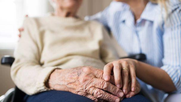 MV SR varuje seniorov pred podvodníkmi